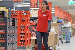 Zilierii sau persoanele fără calificare își vor găsi de lucru mai ușor locuri de munca