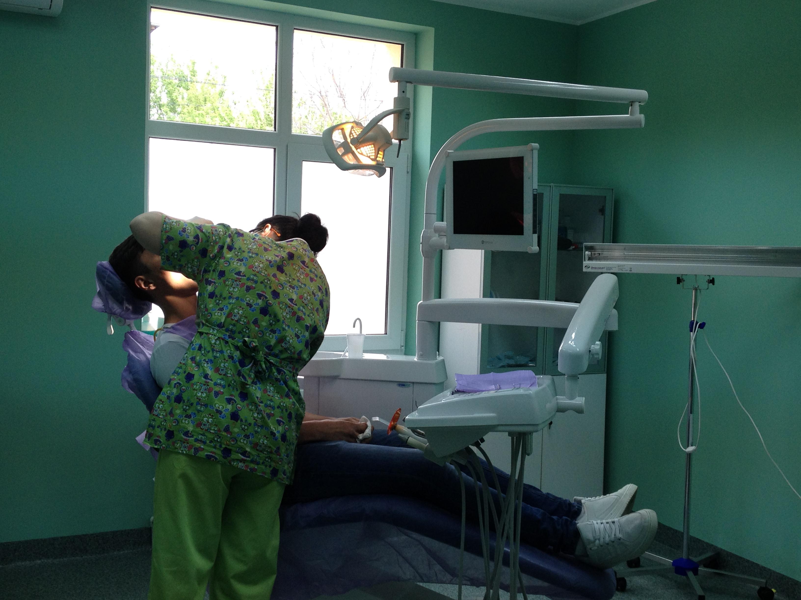 Clinică orodentară cu servicii gratuite pentru elevii din Alexandria stomatologie
