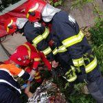 Un bătrân a căzut într-o fântână adâncă de 15 metri