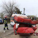 Accident spectaculos! Un autoturism s-a răsturnat